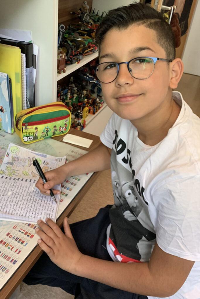 Rayen schreibt Tagebuch